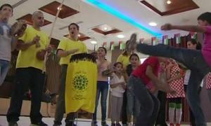 ONG oferece capoeira para crianças refugiadas palestinas