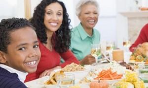Famílias que comem à mesa têm crianças mais magras