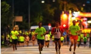 Práticas esportivas à noite são opções para fugir do calor.