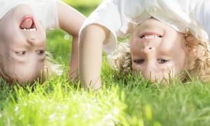 Pesquisa aponta que apenas 4 minutos de exercícios melhoram a memória e a atenção das crianças.