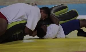 Minas Gerais recebe equipamento de luta olímpica do Ministério do Esporte.
