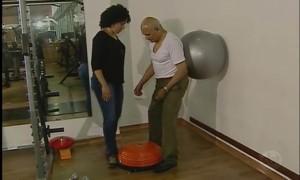 Exercícios físicos podem ajudar a combater os efeitos do Parkinson