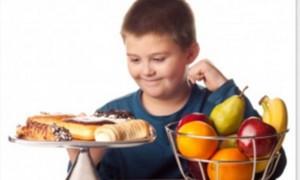 8 dicas preciosas para combater a obesidade infantil.