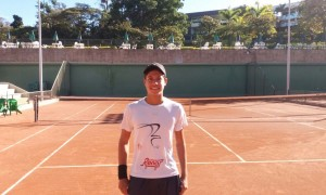 João Pedro Lopes supera distância da família e sonha com a categoria profissional do tênis