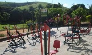 Onde estão os profissionais de educação física nas academias ao ar livre?