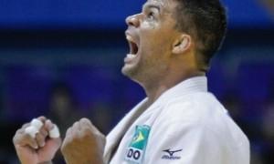 """Para Luciano Corrêa """"a cada minuto em que você treina, você já está vencendo."""" Confira entrevista completa!"""