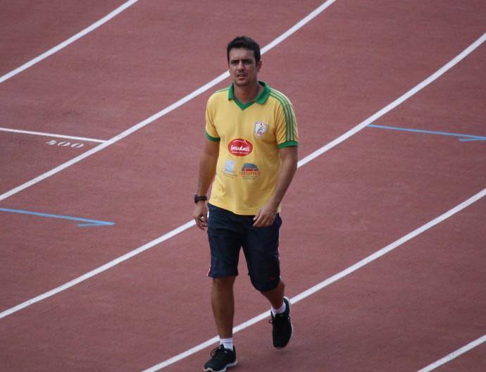 c87ab9689 Saiba porque o técnico de atletismo José Guimarães afirma que é fora ...