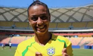 """Kamilla Morais, aluna do """"Fica Vivo!"""", é convocada para a seleção brasileira de futebol feminino"""