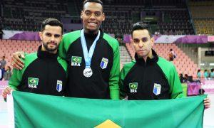 Atleta de Ribeirão das Neves é destaque na Universíade de Verão e conquista a medalha de prata no taekwondo
