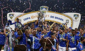 Em noite de pênaltis, taça da Copa do Brasil retorna a Minas Gerais