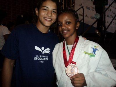 Medalhista olímpica, Sarah Menezes já visitou o projeto Avança Judô (Foto: Cida Martins)