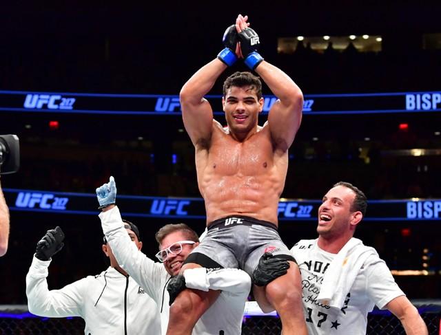 Paulo Borrachinha desafiou Derek Brunson após vitória (Foto: Jason Silva)