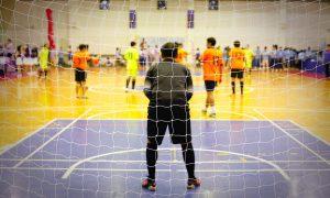 Dicas para praticar o futebol de fim de semana sem riscos