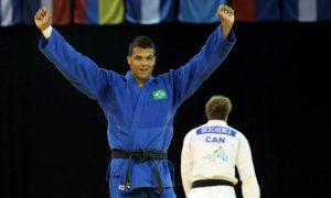 Campeão mundial, Luciano Corrêa anuncia aposentadoria dos tatames