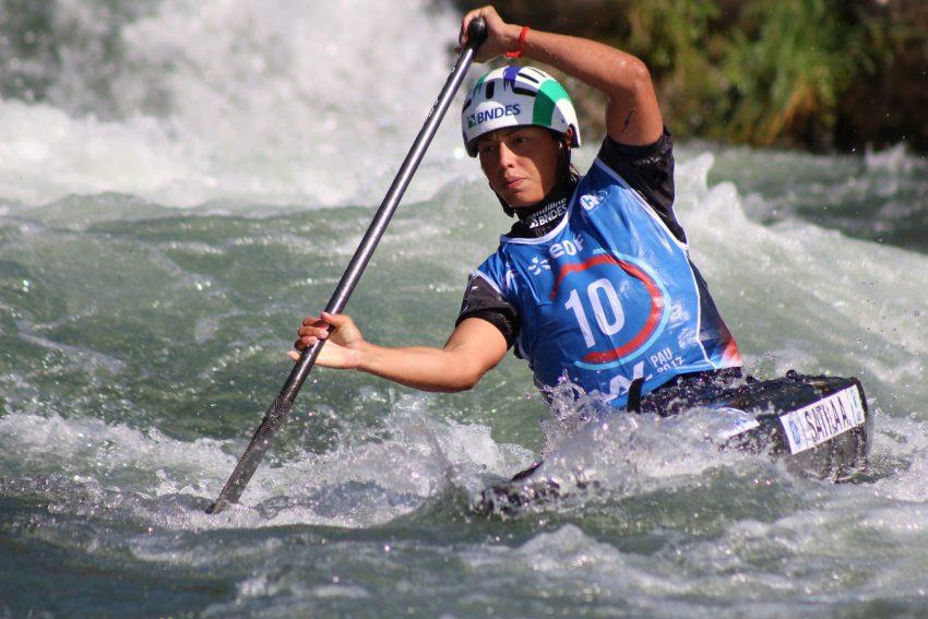 Mineira treina no Paraná e conquistou duas medalhas no Mundial disputado na França (Foto: Confederação Brasileira de Canoagem)