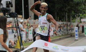 Pela sexta vez consecutiva, Giovani dos Santos vence a Volta Internacional da Pampulha