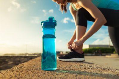 Saiba como se preparar para atividades físicas durante o verão (Foto: iStock)