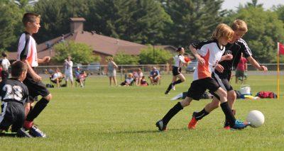 Esportes coletivos, como o futebol, auxiliam no amadurecimento psíquico. Foto: Reprodução/Pixabay