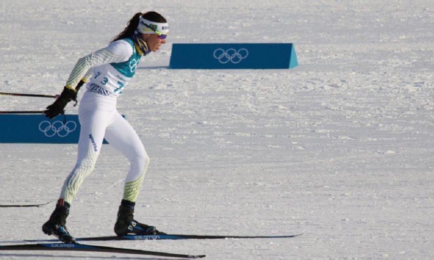 A mineira Jaqueline Mourão ficou na 74ª colocação entre 90 competidoras da prova de 10km de esqui cross country estilo livre. (Foto: divulgação/COB)