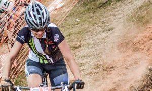 Vencendo desafios com a bicicleta, Larissa Paiva também projeta o futuro sobre duas rodas