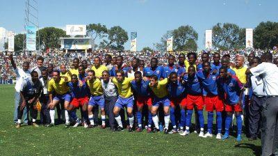 Brasil levou craques ao Haiti para ajudar em campanha contra desarmamento. (Foto: CBF)