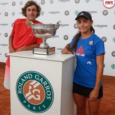 Campeões do torneio, Mateo e Ana Paula, têm chance de disputar o famoso torneio de Roland Garros. (Foto: Federação Mineira de Tênis)