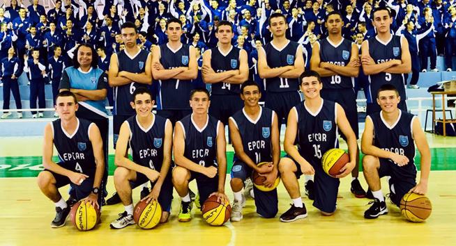 Equipe de basquete da EPCAR de Barbacena. Foto cedida pela professora Fabrícia Ferreira