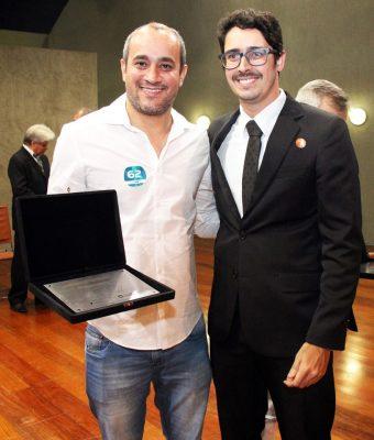 Prefeito de Novo Oriente de Minas recebe premiação pela colocação no ranking do ICMS Esportivo. Foto: ASCOM/SEDESE.