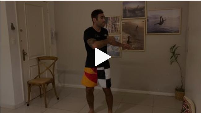 Professor montou rotina de exercícios a serem feitos em casa. Imagem: Reprodução Fantástico/Globo